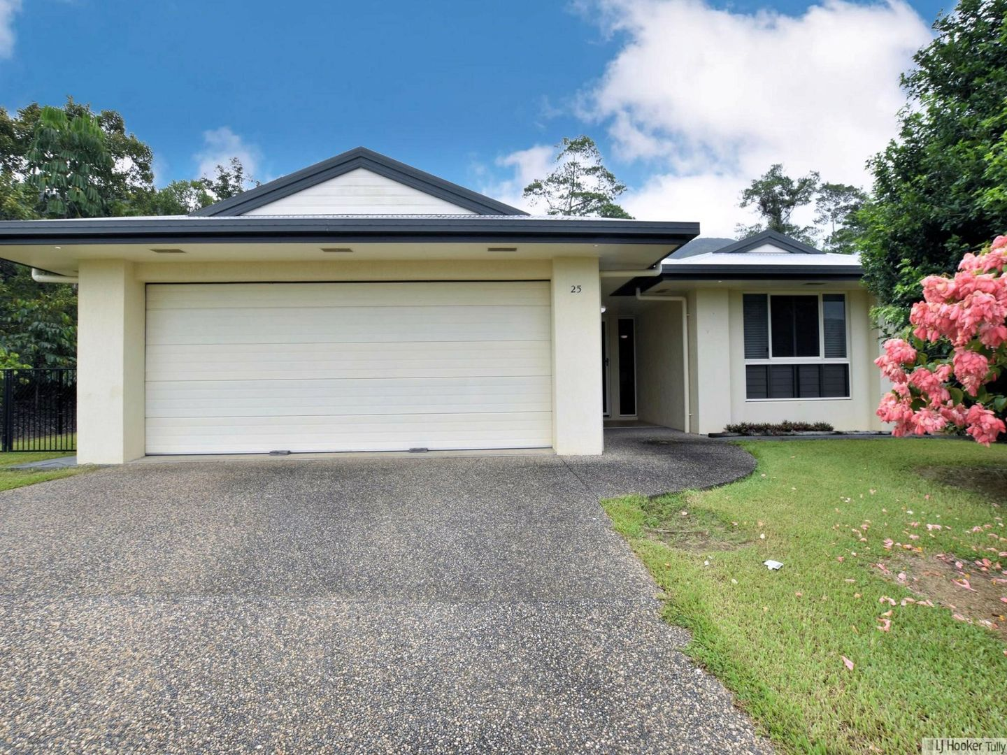 25 Pease Street, Tully QLD 4854, Image 0