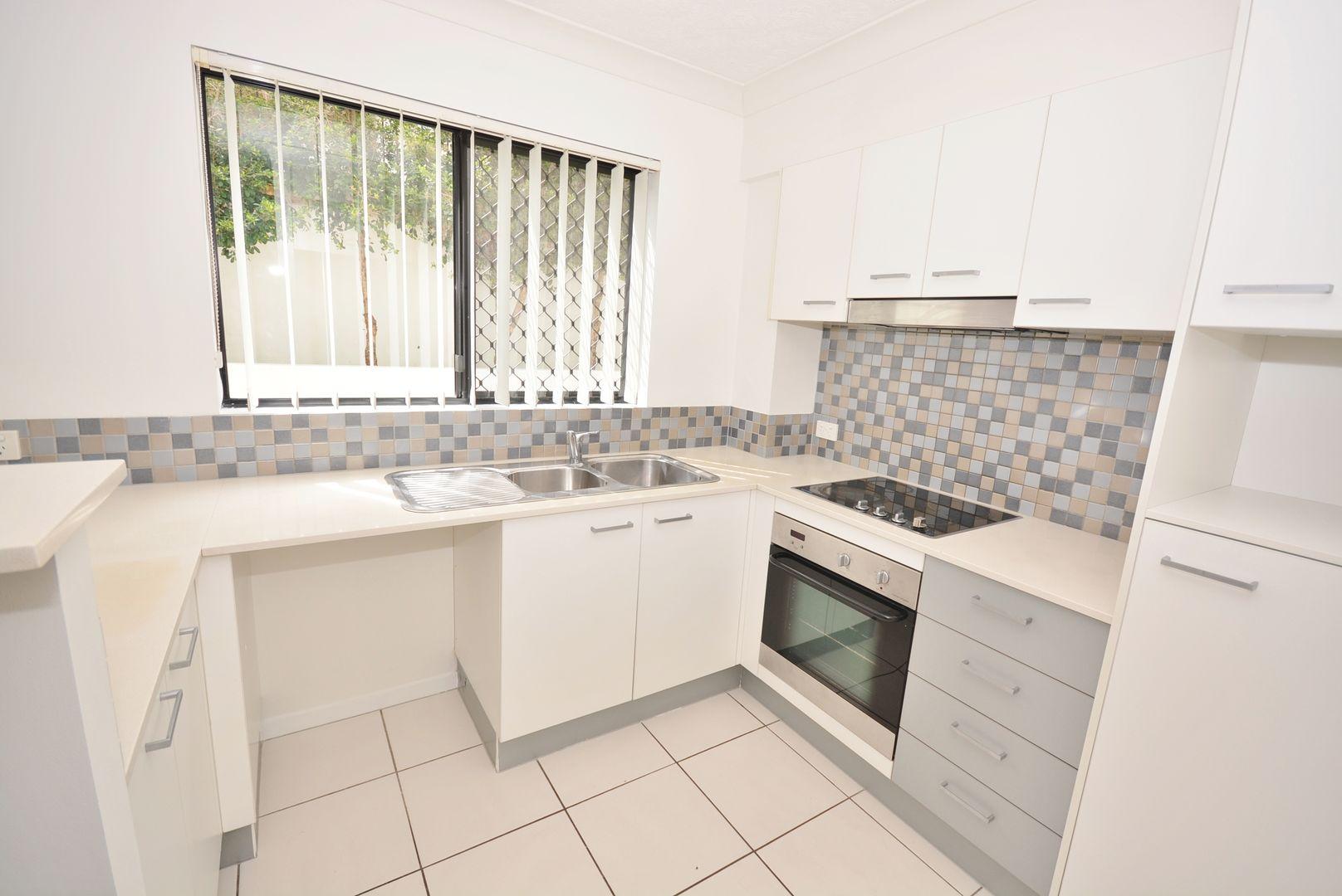 16/15-17 Lloyd Street, Southport QLD 4215, Image 2