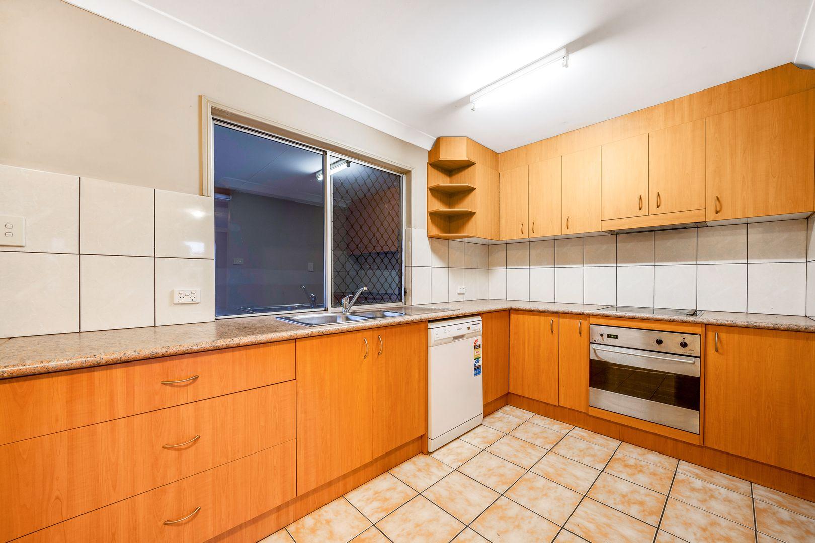29 Aquarius Drive, Kingston QLD 4114, Image 2