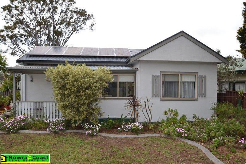 2 Mulgen Crescent, Bomaderry NSW 2541, Image 0
