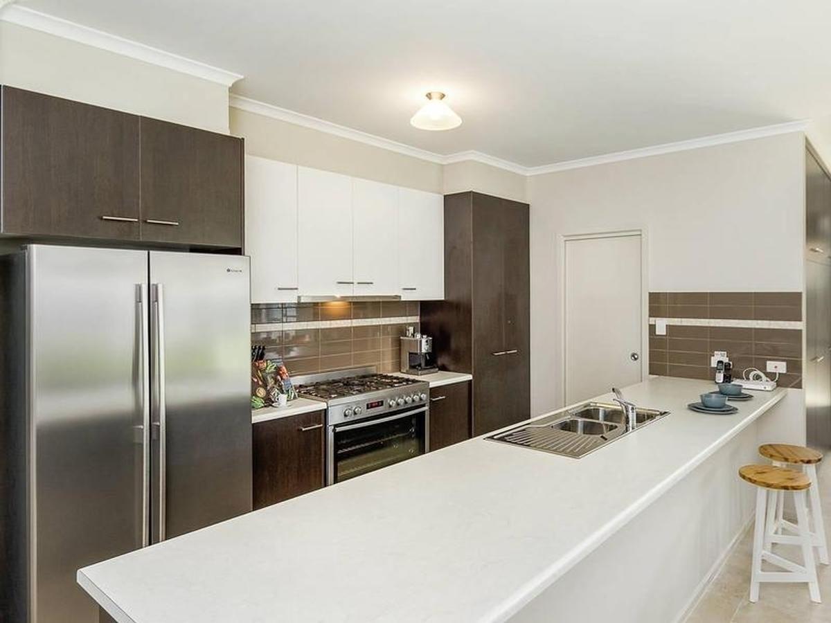 16 Ashfield Street, Mount Barker SA 5251, Image 2