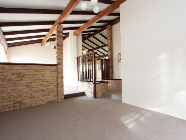 Room 2/10 Mayne Close, Kardinya WA 6163, Image 2