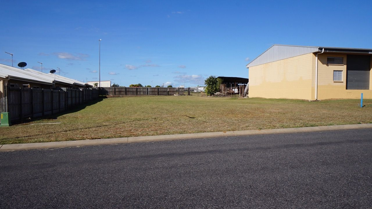 39 Strattman Street, Mareeba QLD 4880, Image 2