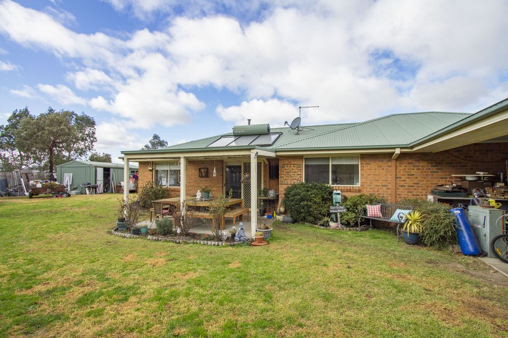 28 Mark Avenue, Sale VIC 3850, Image 1