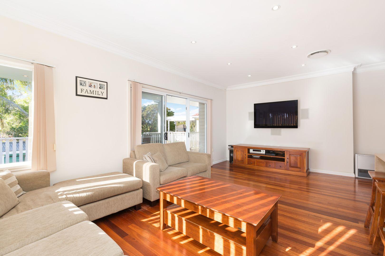 32 Saunders Bay Road, Caringbah South NSW 2229, Image 1