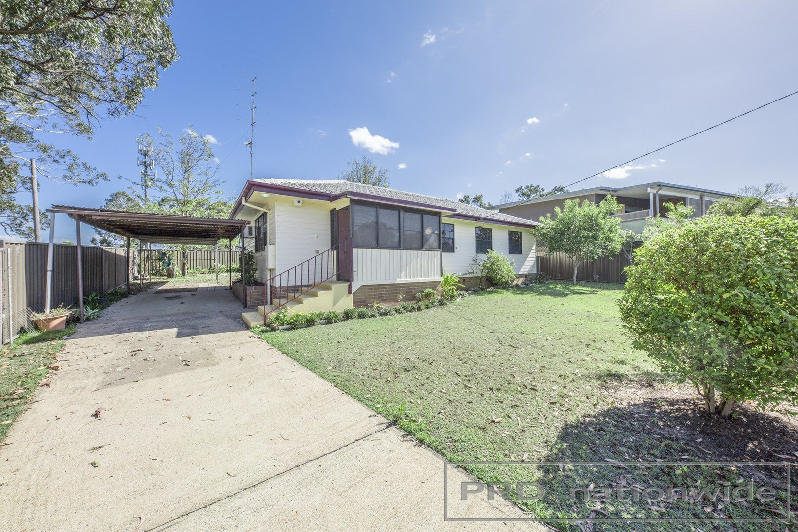 2 Churchill Cres, Rutherford NSW 2320, Image 0
