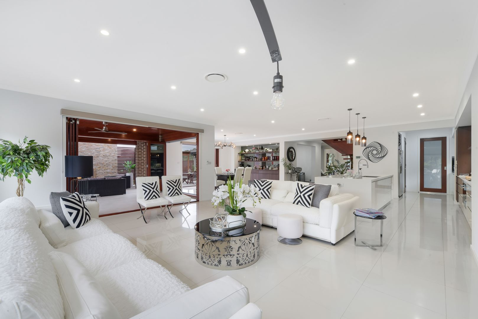 21 Dalton Terrace, Harrington Park NSW 2567, Image 2