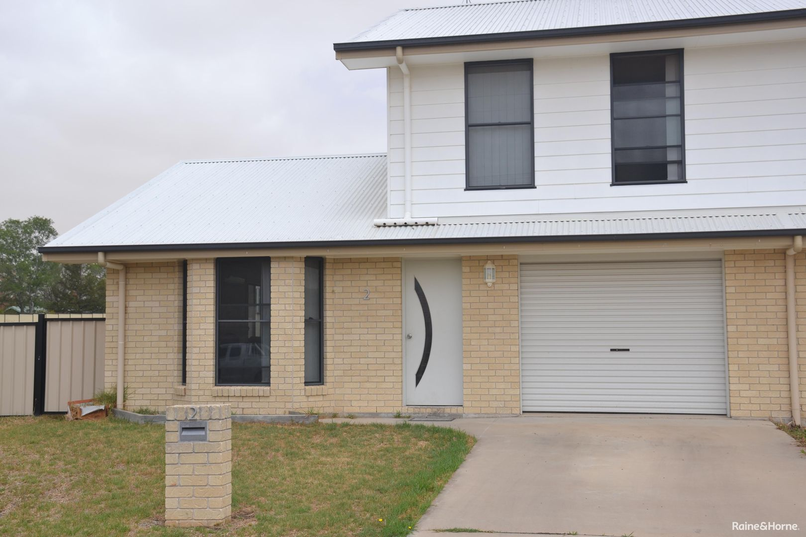 2/10 Brewery Street, Inverell NSW 2360, Image 0