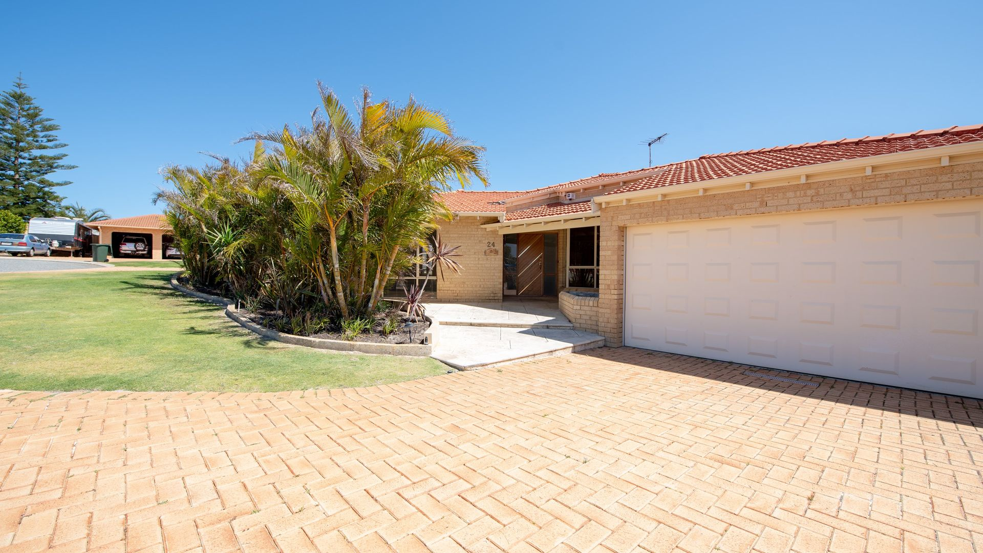 24 Seaside Gardens, Mullaloo WA 6027, Image 2
