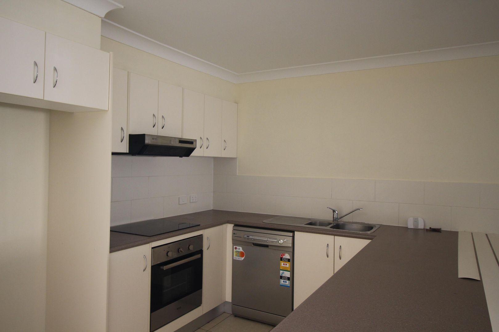 2/12 Cadell Crescent, Rothwell QLD 4022, Image 2