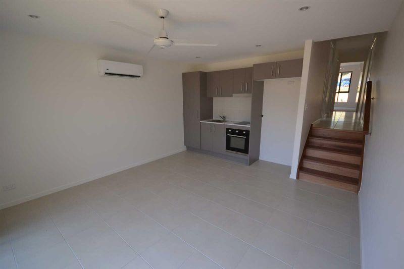 2/6 Lake View Place, Bli Bli QLD 4560, Image 1