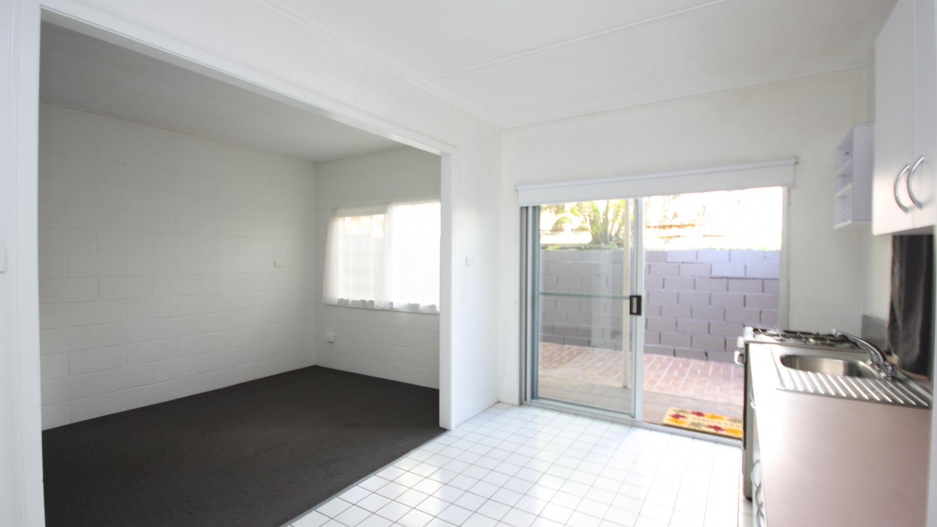 2/28 Riddell St, Bulimba QLD 4171, Image 2