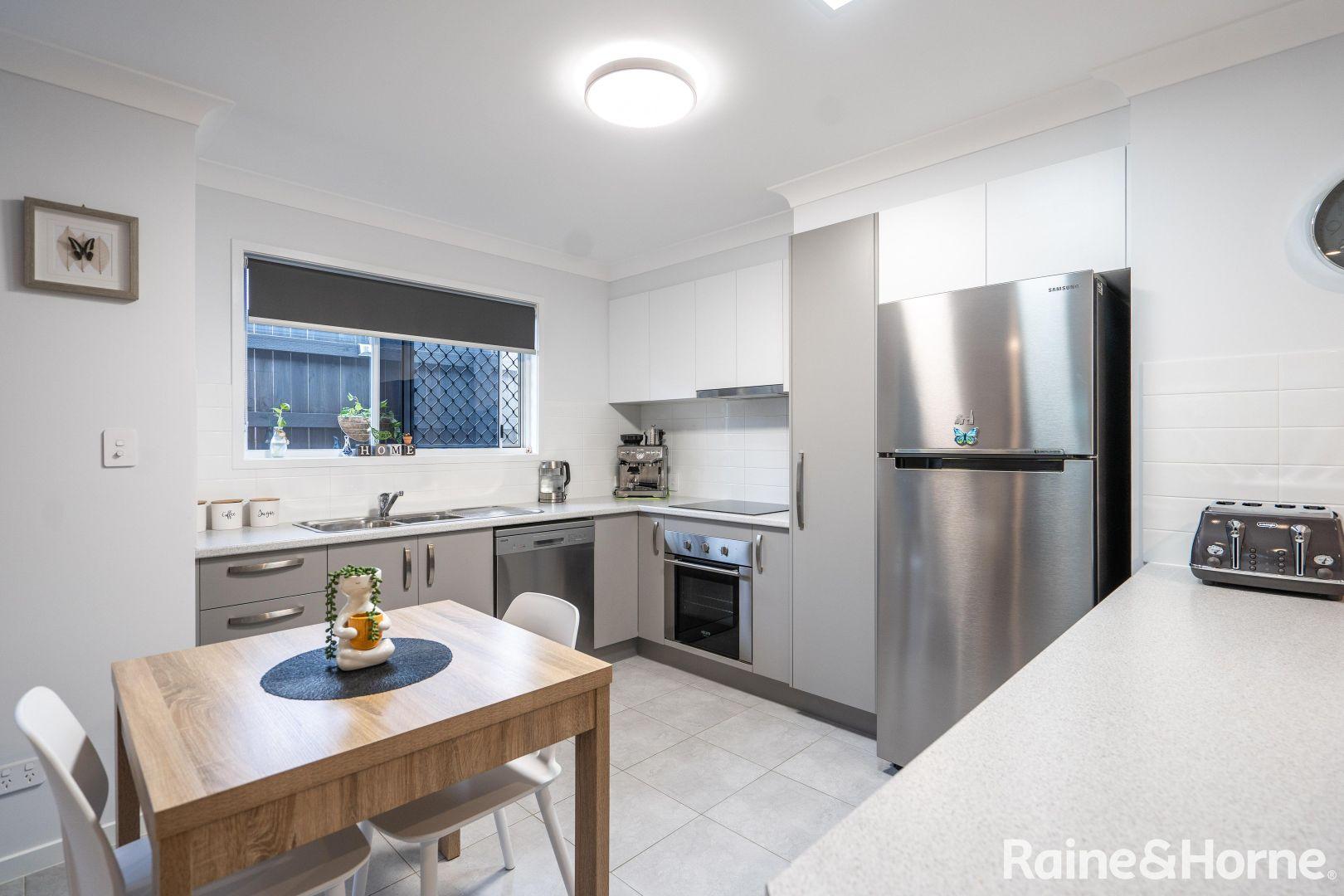 7/235 Torquay Terrace, Torquay QLD 4655, Image 2