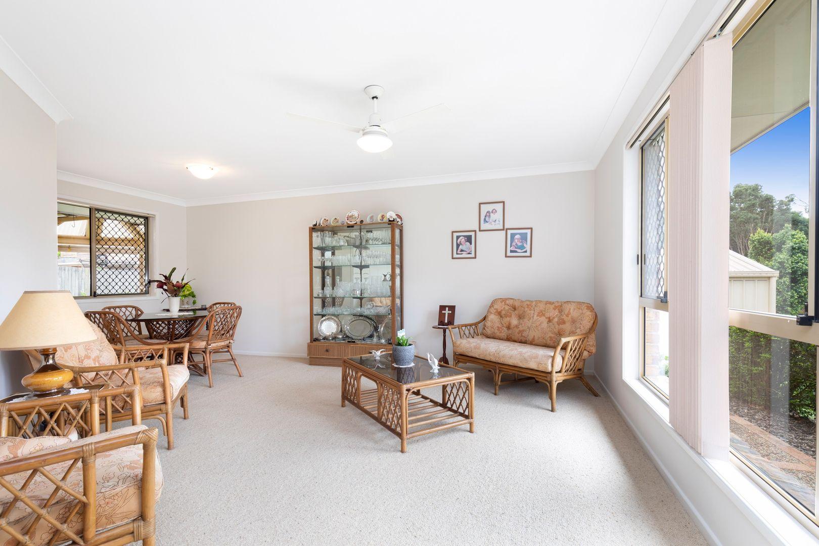 24 Kensington Place, Wishart QLD 4122, Image 2