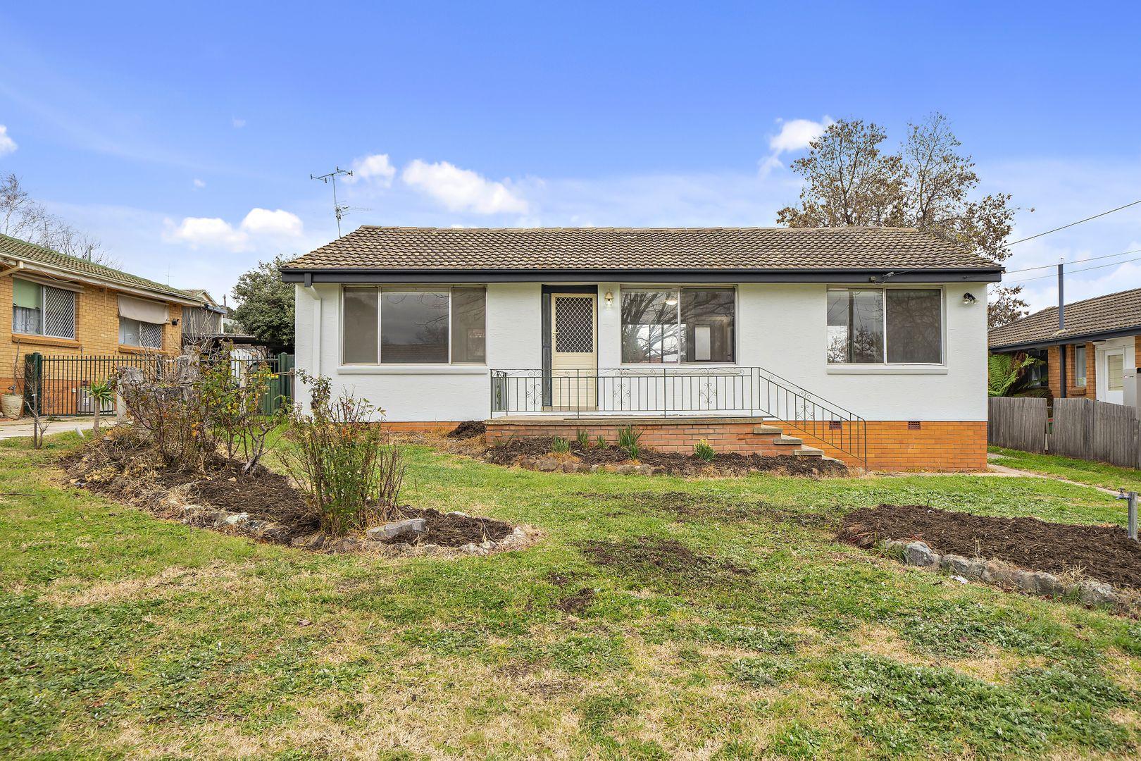 38 Christopher Crescent, Karabar NSW 2620, Image 0