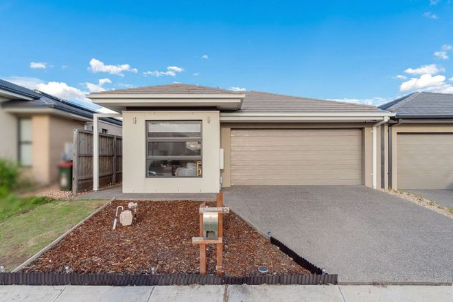 Picture of 12 Lavinia Street, GREENVALE VIC 3059