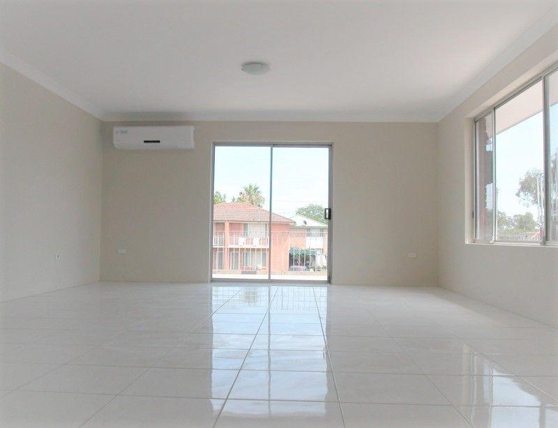 Flat 1/517 George Street, South Windsor NSW 2756, Image 2
