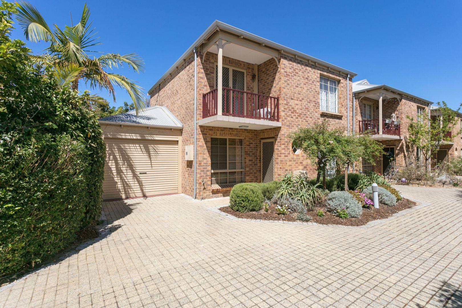 2/4 John Street, North Fremantle WA 6159, Image 0