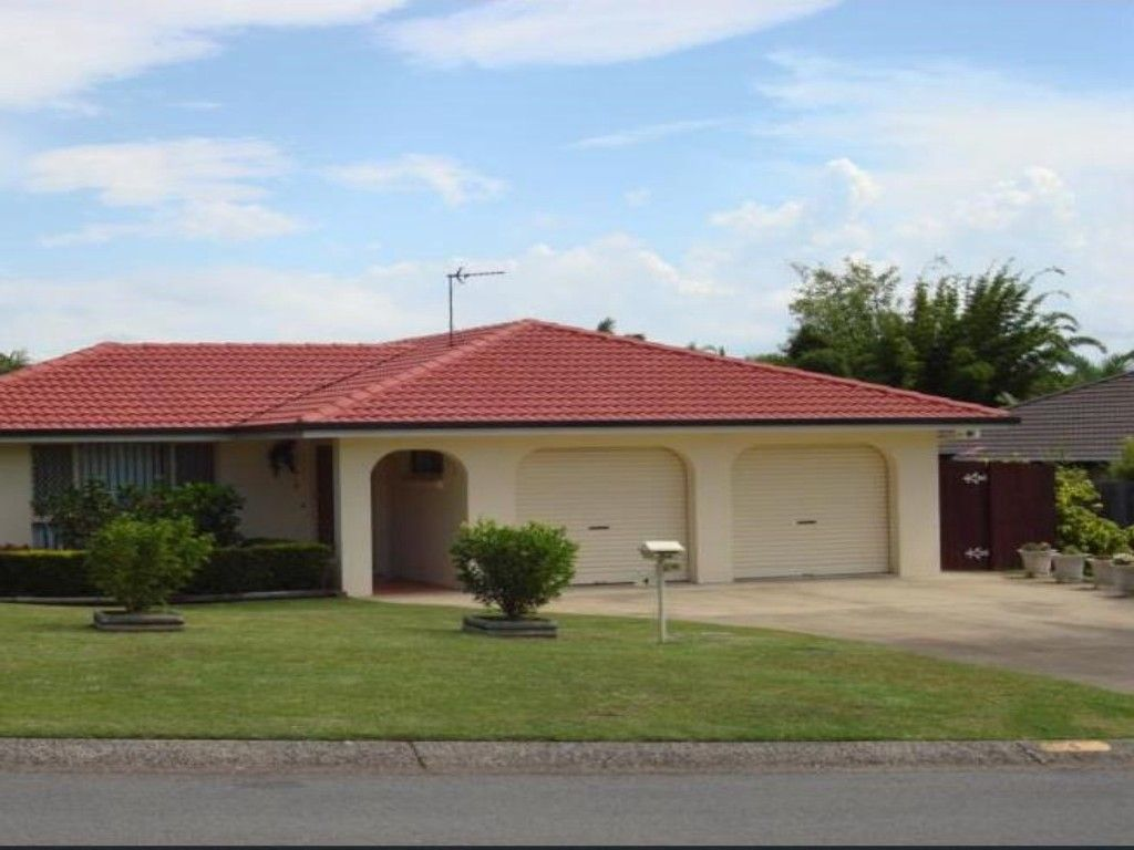 4 Whitehead Drive, Burleigh Waters QLD 4220, Image 0