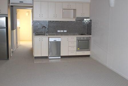 1/103 Jerrold Street, Sherwood QLD 4075, Image 2
