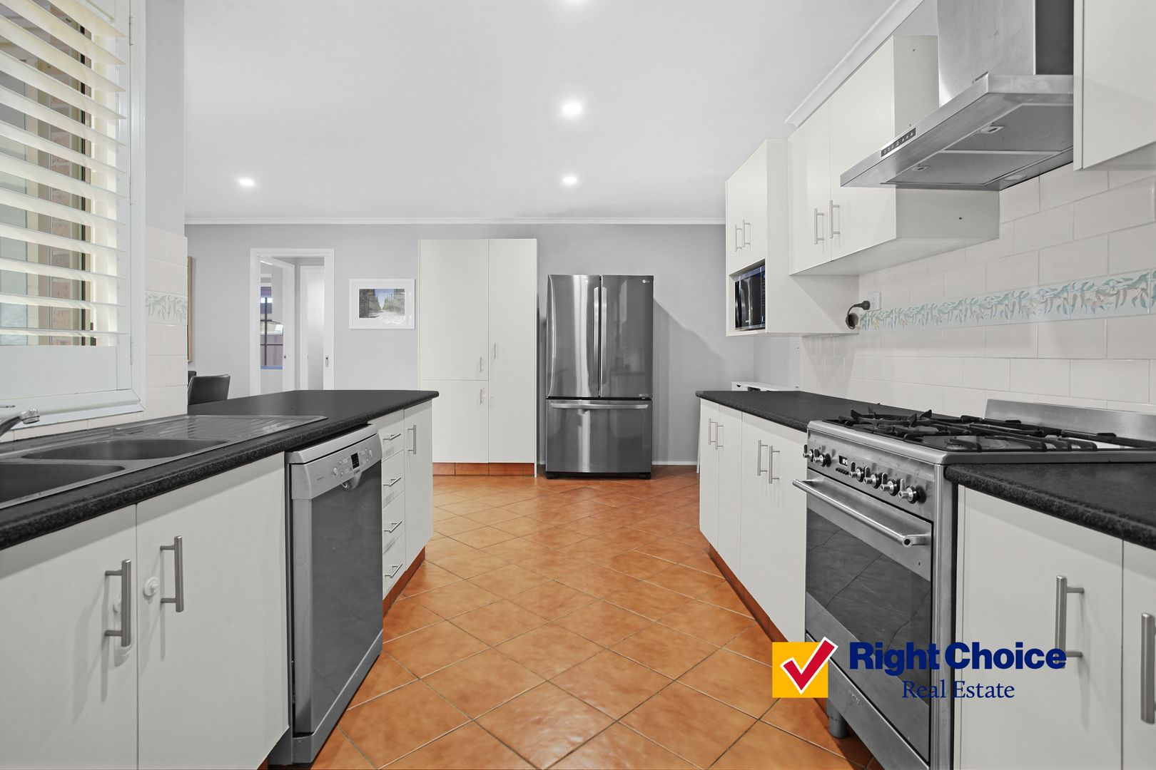 72 Roper Road, Albion Park NSW 2527, Image 2
