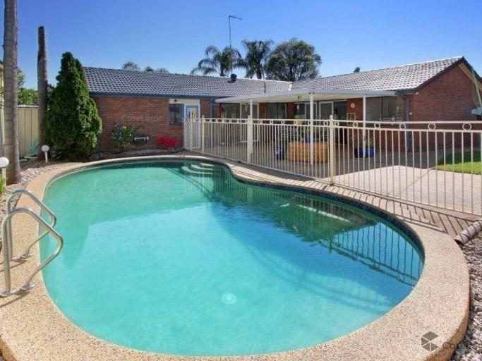 1 Mynah Close, St Clair NSW 2759, Image 0