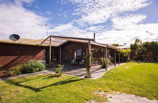 Picture of 325 North Road, Currie TAS 7256