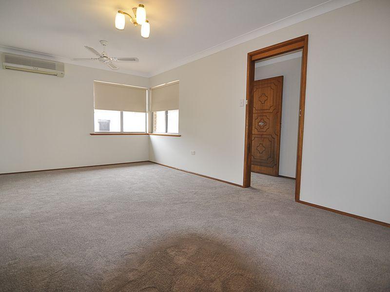 49 Fravent Street, Toukley NSW 2263, Image 2