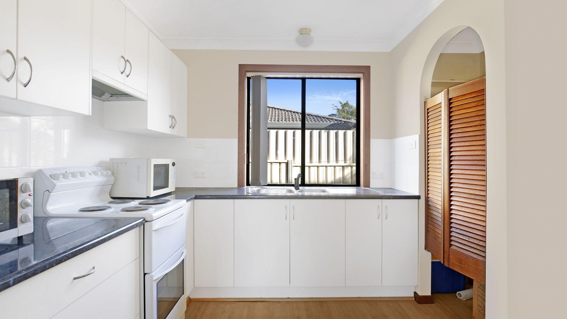 1/38 Alandale Avenue, Figtree NSW 2525, Image 1