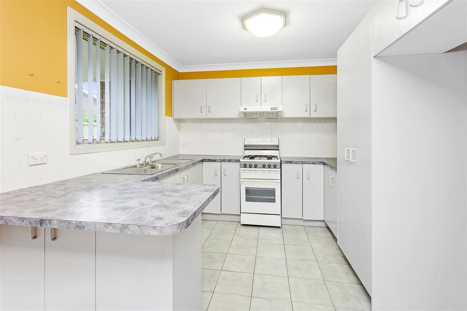 2/189 Tongarra Road, Albion Park NSW 2527, Image 1