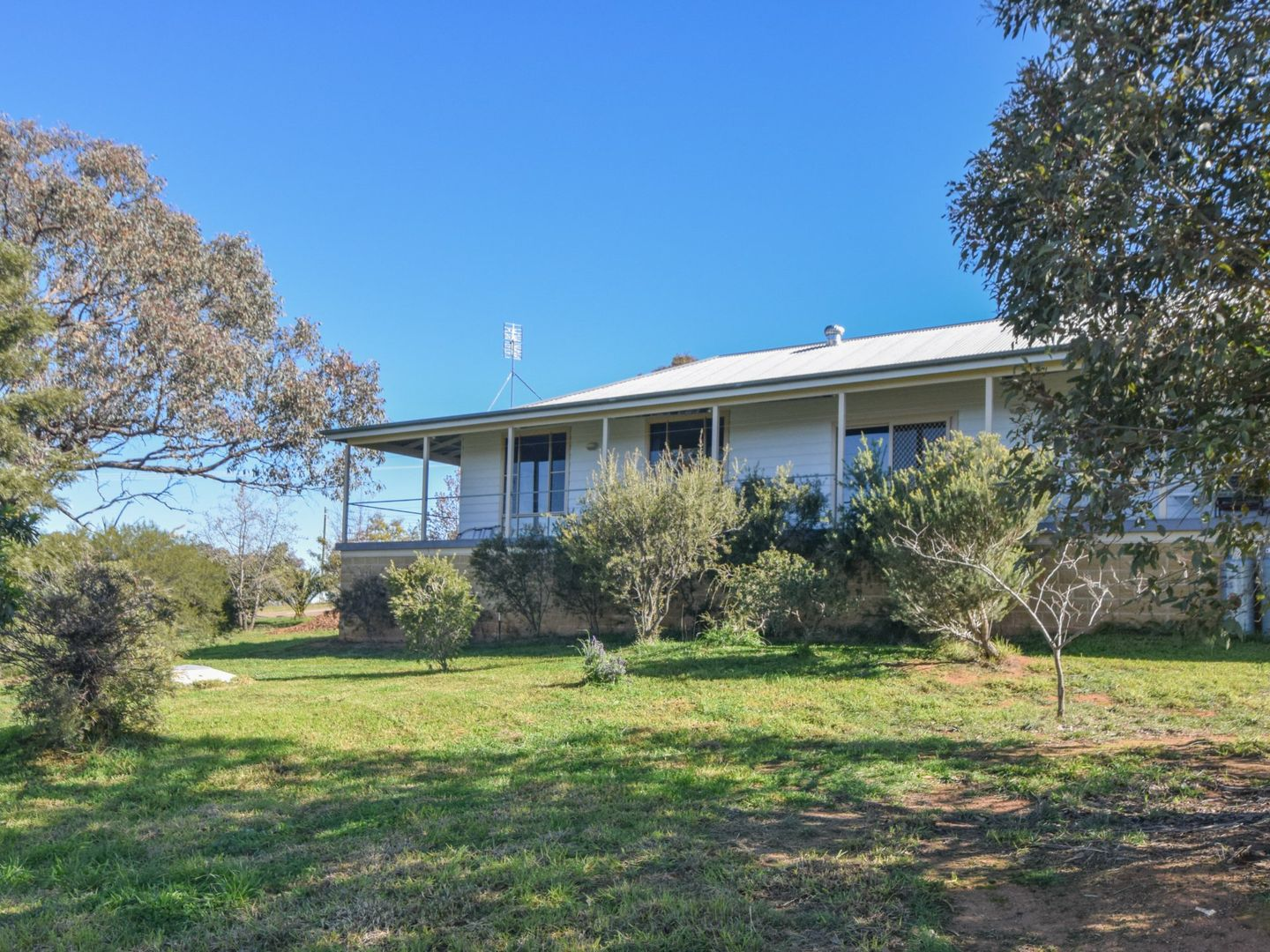 7 Donges Road, Young NSW 2594, Image 0