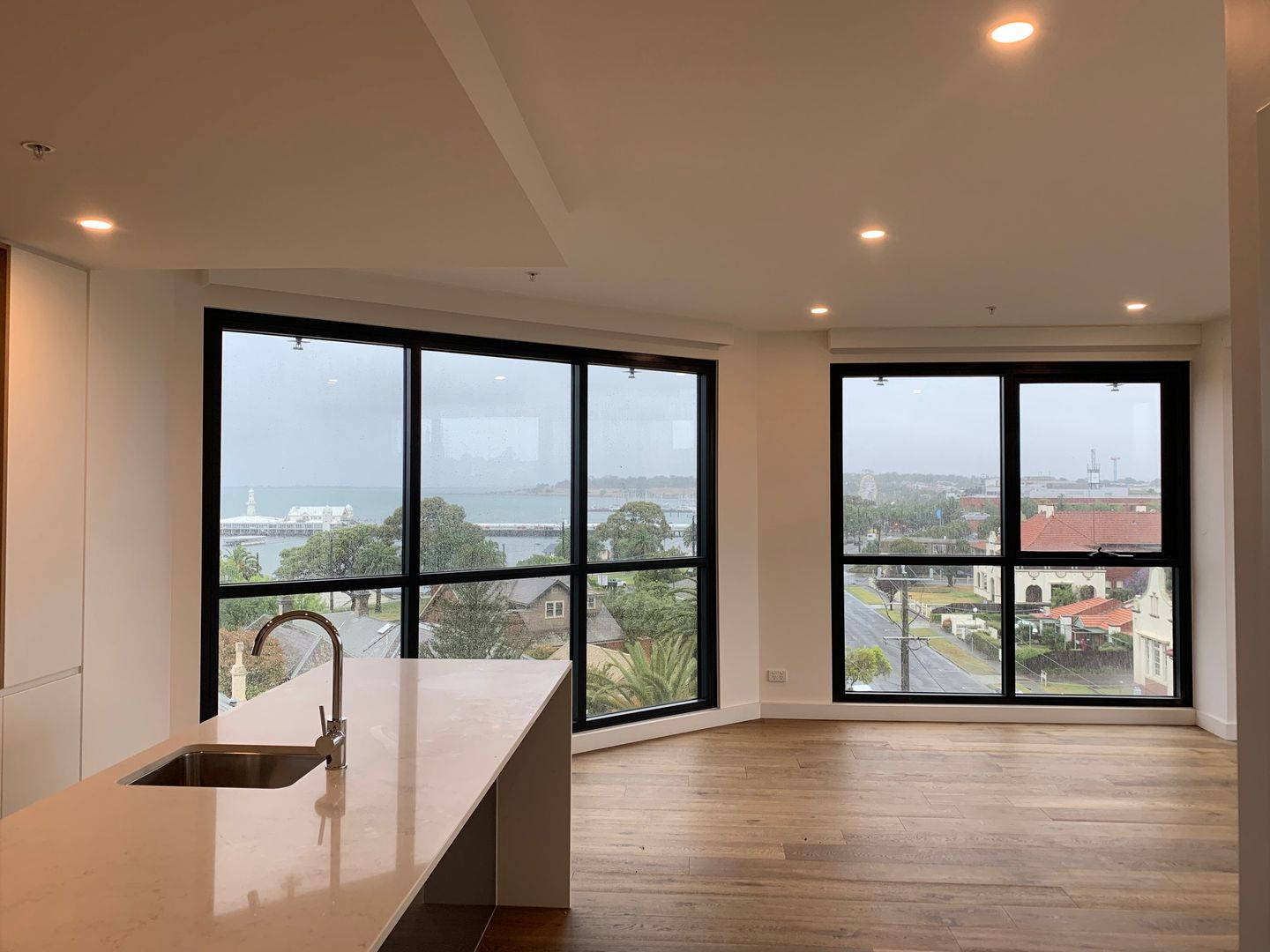 409/18 Apartment 409, Level 4/ 18 Malone  Street, Geelong VIC 3220, Image 2