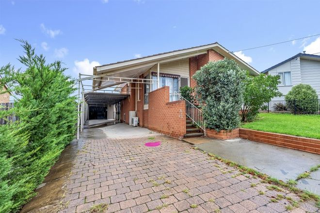 Picture of 12 Banksia Crescent, QUEANBEYAN NSW 2620