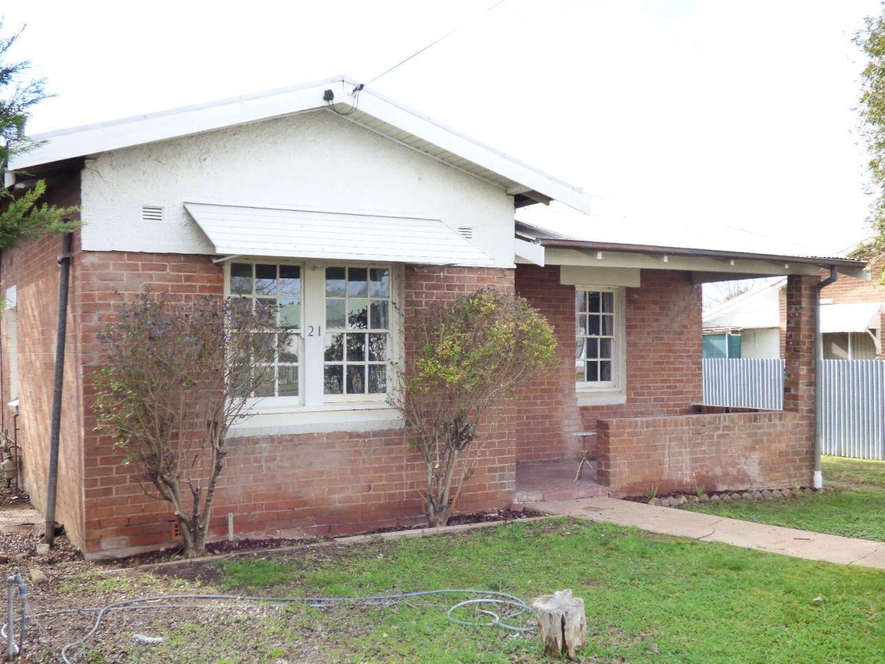 21 Renehan Street, Cootamundra NSW 2590, Image 0