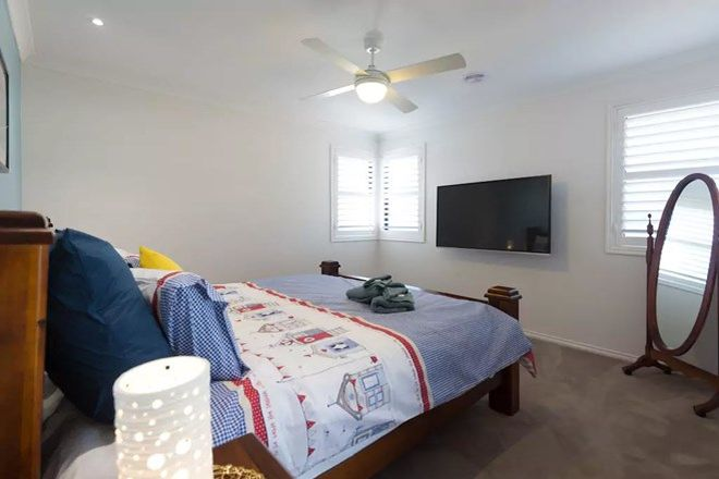 Picture of 18 Half Moon Crescent, INDENTED HEAD VIC 3223