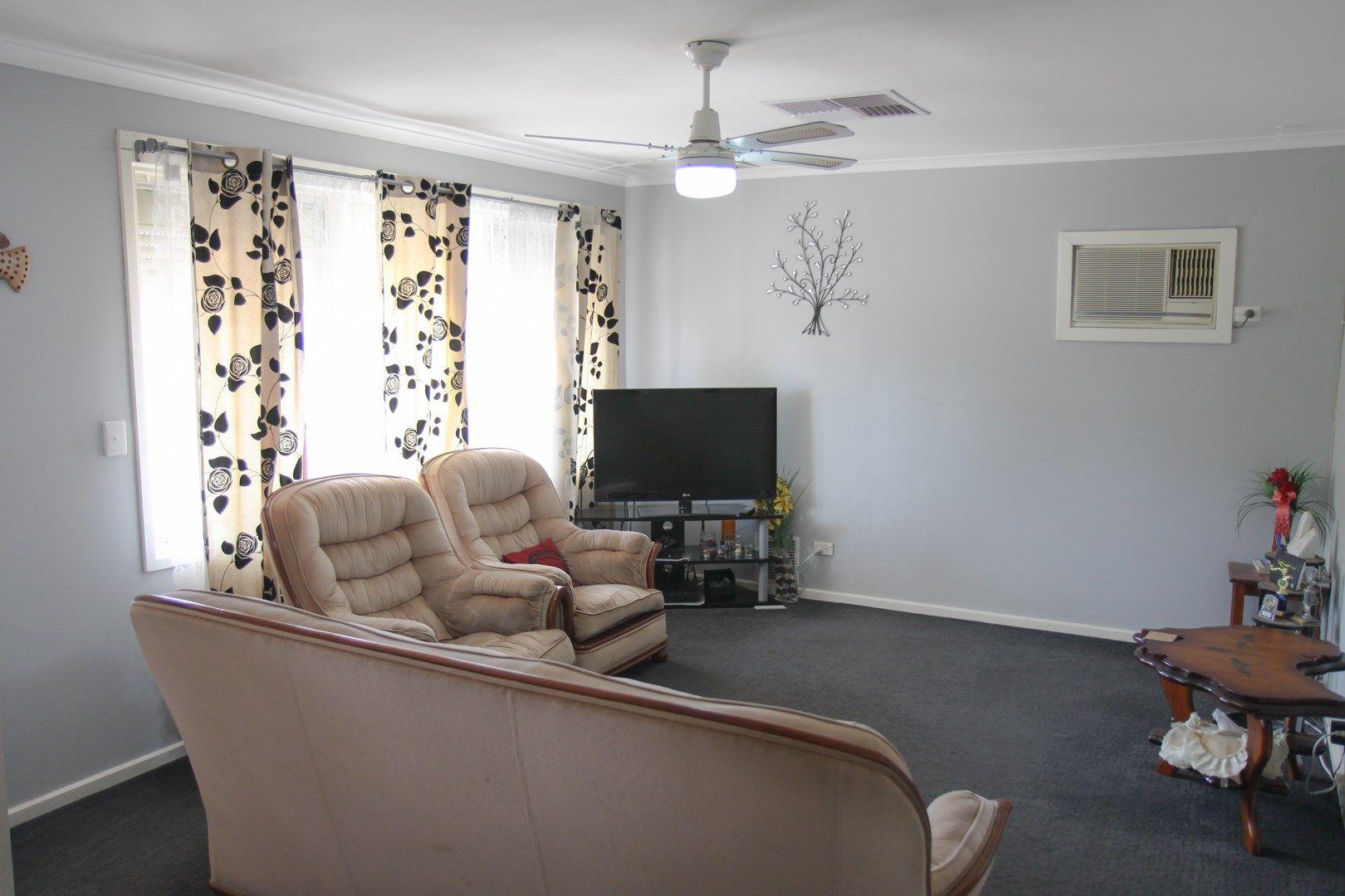 4 Richardson Crescent, Port Augusta West SA 5700, Image 2