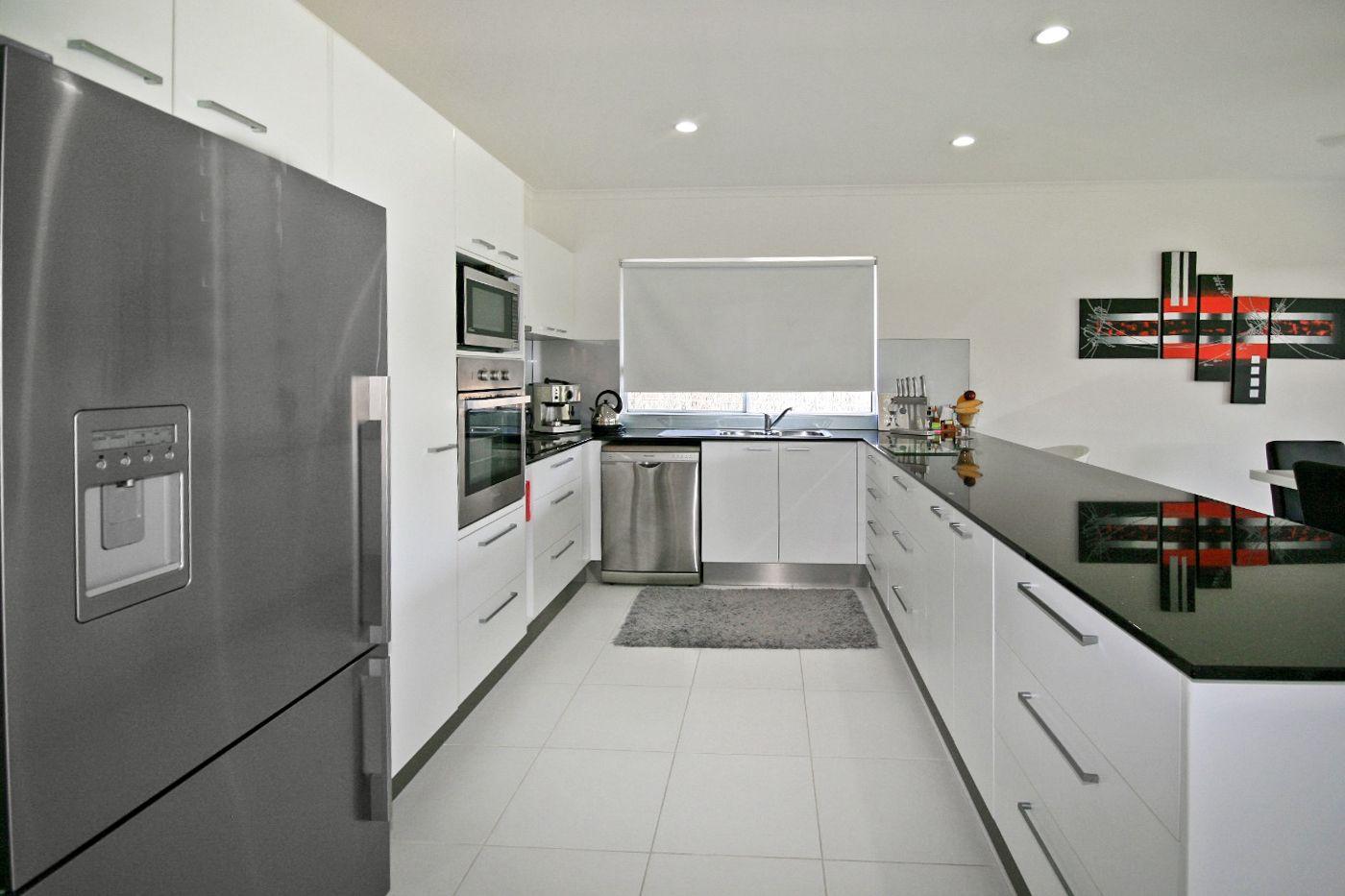 15 Waite Creek Court, Cannonvale QLD 4802, Image 2