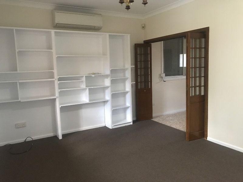 31 Darling Avenue, Lurnea NSW 2170, Image 1