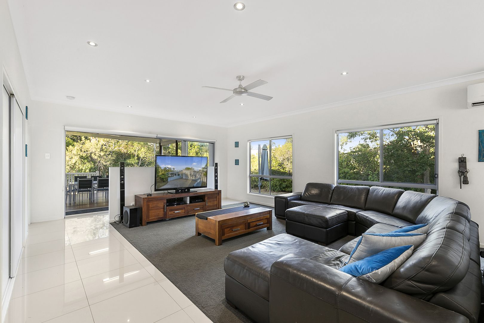 19 Link Street, Manly West QLD 4179, Image 1