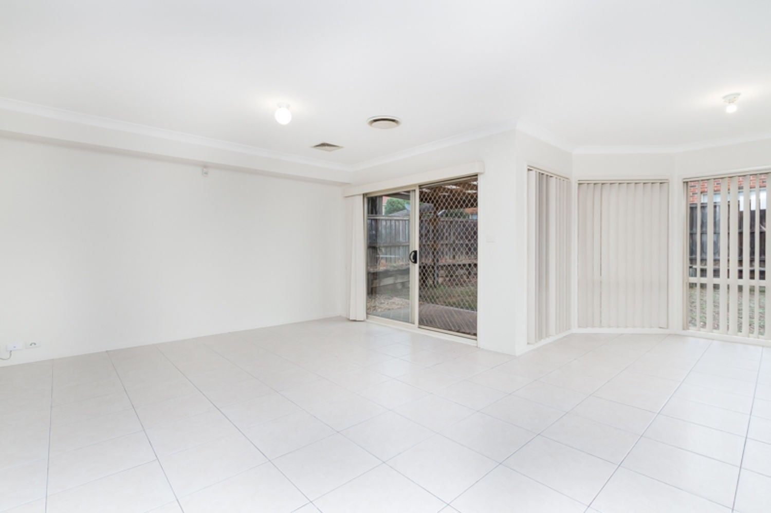 20 Tallowood Grove, Beaumont Hills NSW 2155, Image 2