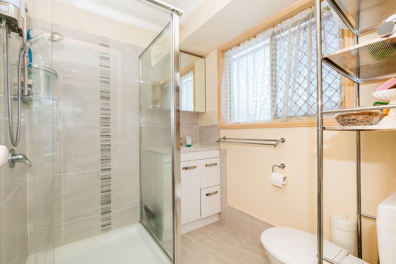 110 Lamberth Rd, Regents Park QLD 4118, Image 2