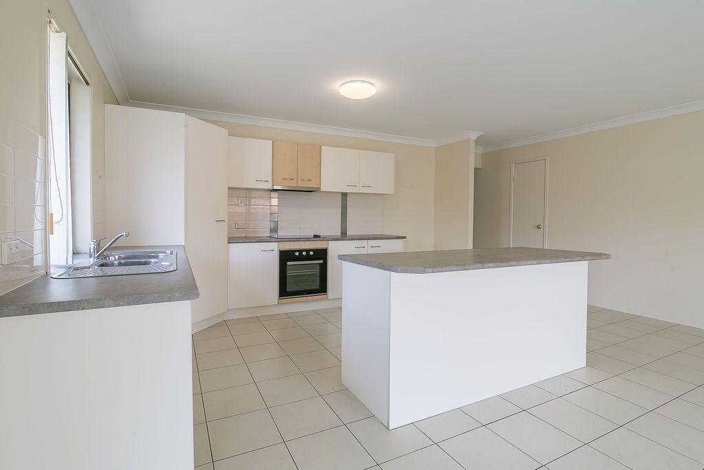 28 SOMERWIL CRESCENT, Bellbird Park QLD 4300, Image 2