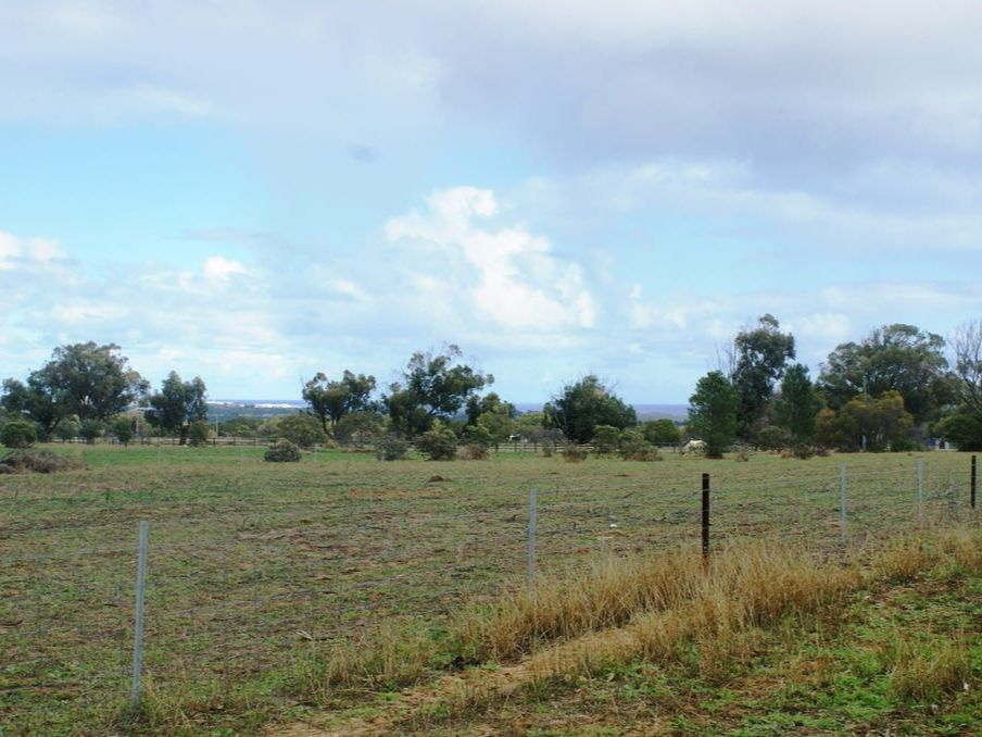 6 Mills Road, Moresby WA 6530, Image 1