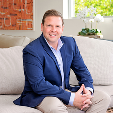 Chris Moyer, Sales representative