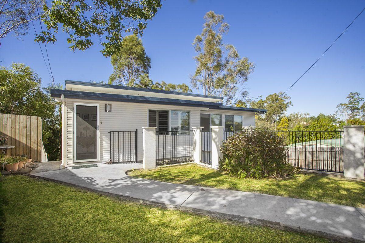 4 bedrooms House in 156 Plucks Road ARANA HILLS QLD, 4054