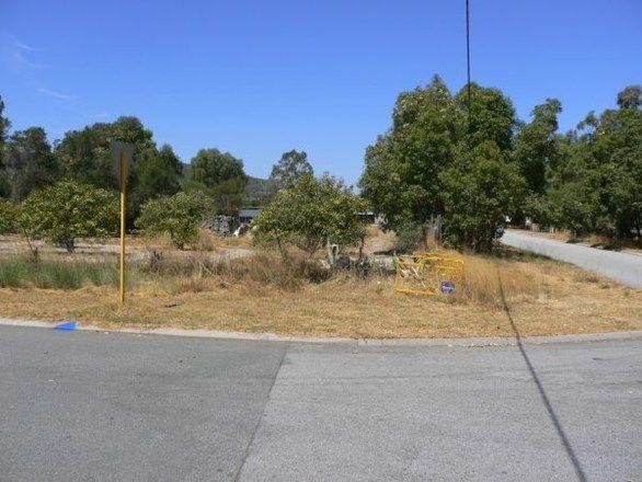 5 Gertrude Avenue, Champion Lakes WA 6111, Image 0
