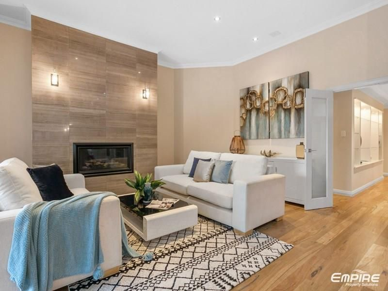8 Colpoys Place, Coogee WA 6166, Image 1