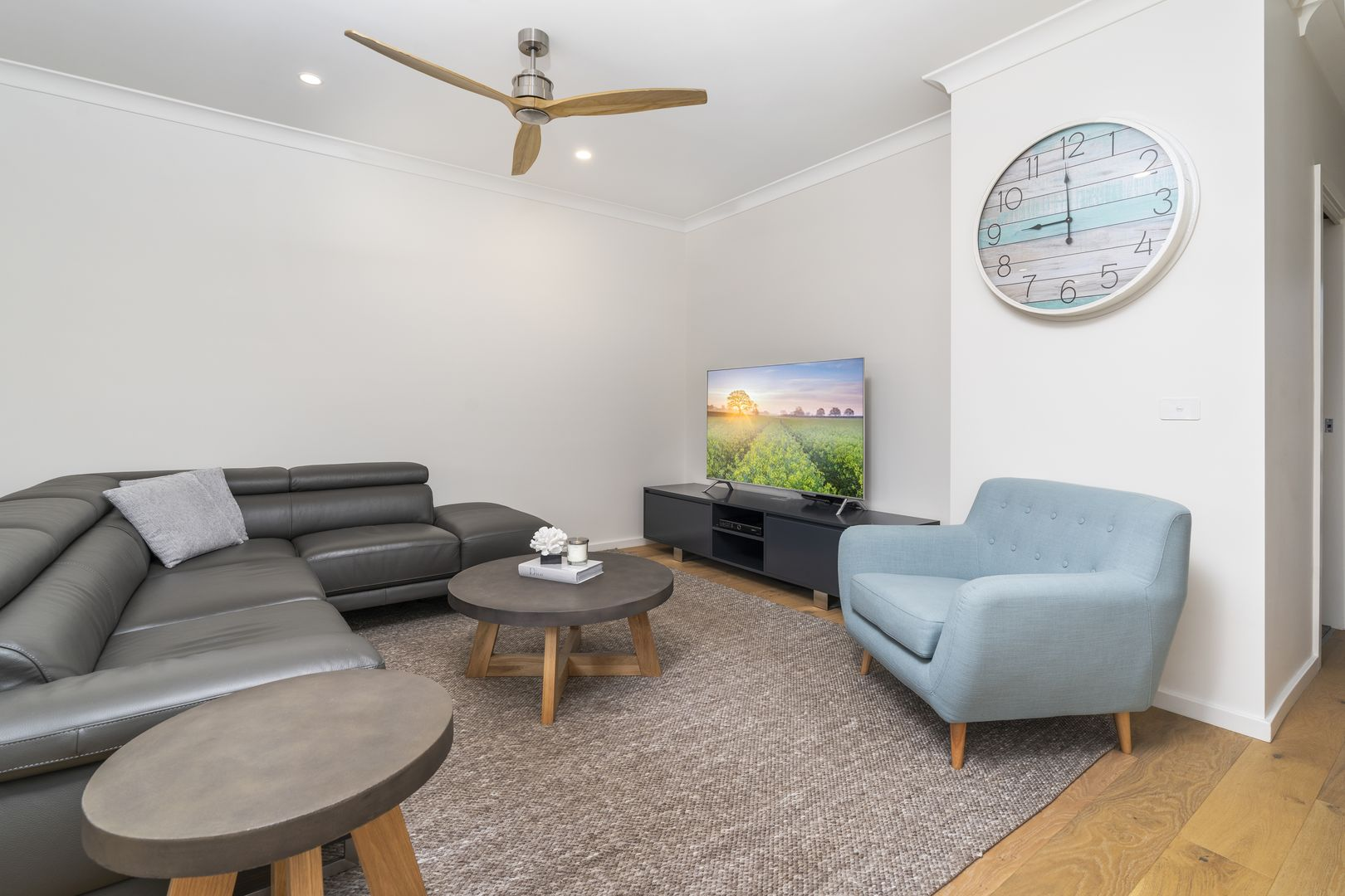13 Curlewis Street, Gledswood Hills NSW 2557, Image 2