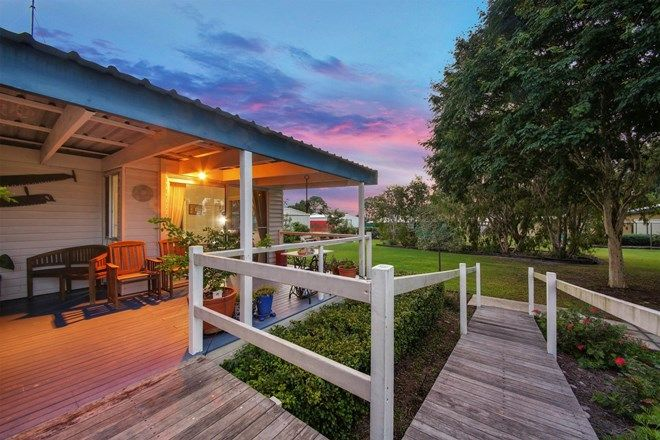 Picture of 10 Bay Drive, JACOBS WELL QLD 4208