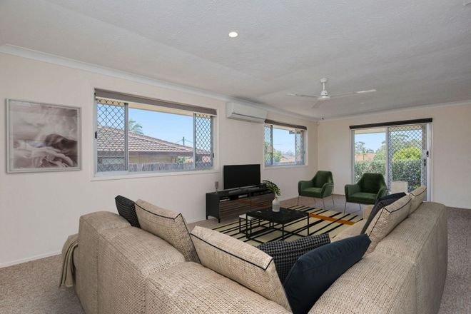 Picture of 2/217 Central Street, LABRADOR QLD 4215